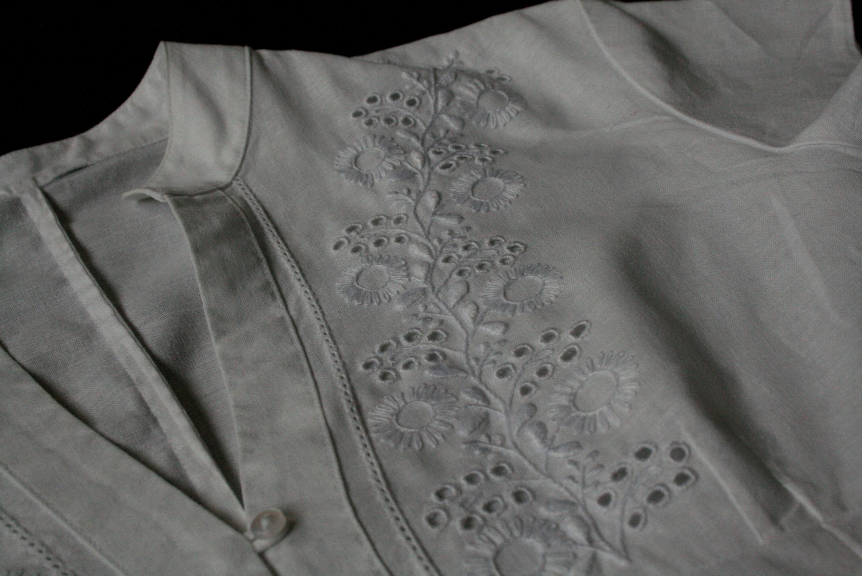 Bluzka z haftem angielskim - Danuta Cebula